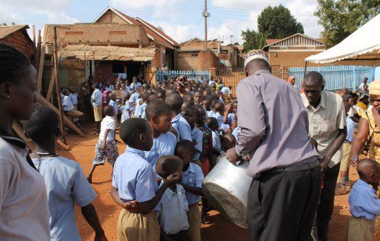 twekembe NGO childern food